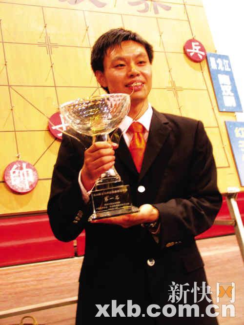 黑龙江陶汉明在加赛快棋中分别战胜黑龙江赵; 中国象棋特级大师许银川图片