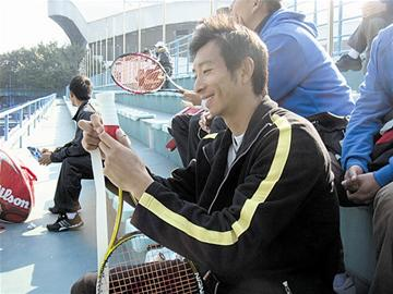 网球巡回赛广州站资格赛结束朱本强因伤止步第三轮