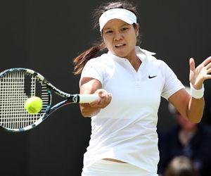 温网李娜连下六局取大胜成首个闯入32强球员