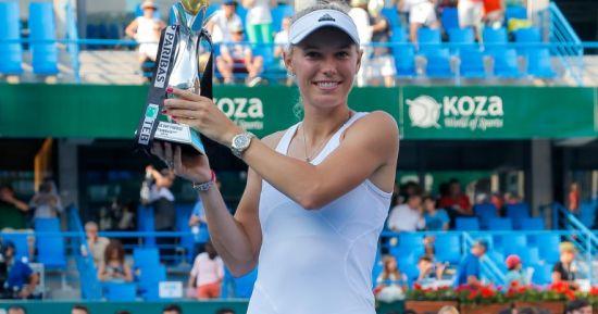 沃兹尼亚奇夺赛季首冠
