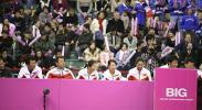 图文-联合会杯首轮中国队1-0法国队郑洁晏紫观战