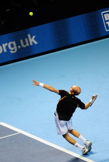 图文-[ATP总决赛]两将携手晋级达维登科暴力回球