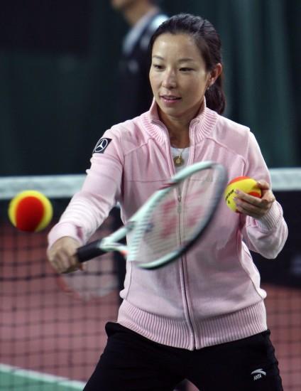 """图文-""""郑洁训练营""""在北京举办网前轻巧回球"""