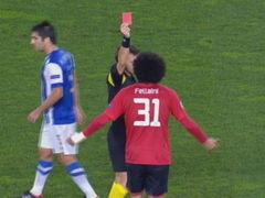 曼联中场失误造险 费莱尼无奈犯规2黄变1红