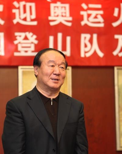 北京奥组委执行副主席蒋效愚代表奥组委欢迎英雄凯旋