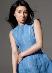天蓝短裙包裹完美身材