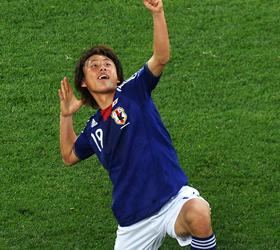 李金羽标志庆祝遭复制 日本小将场边激情弯弓射雕