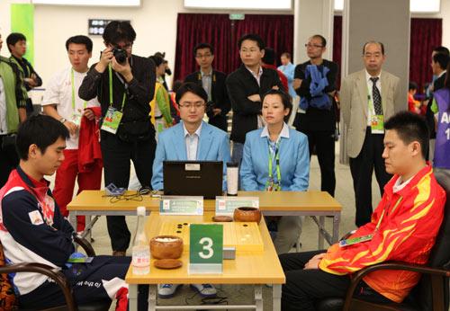 孔杰(右)战胜李世石 中国本轮唯一获胜的一盘