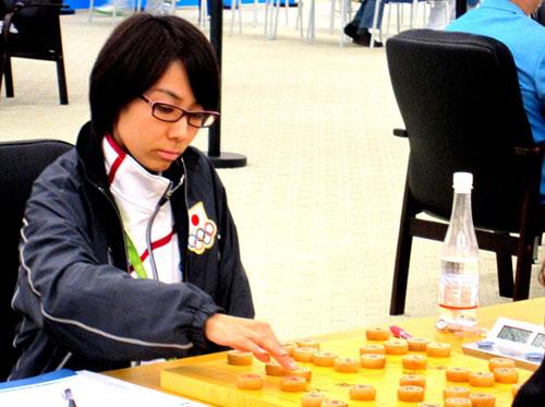 图文-17日亚运会象棋赛场 日本美女池田彩歌