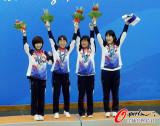 韩国队夺金领奖