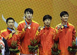 仲满连救冠军点一剑绝杀韩国率队夺佩剑男团金牌