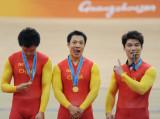 三个冠军三个表情