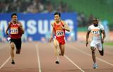 中国选手劳义领先对手