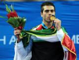 伊朗选手维什卡伊夺金